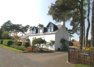 Unique Cottages Office