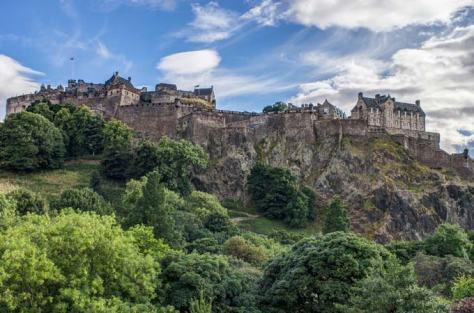 book-week-blog-edinburgh-castle